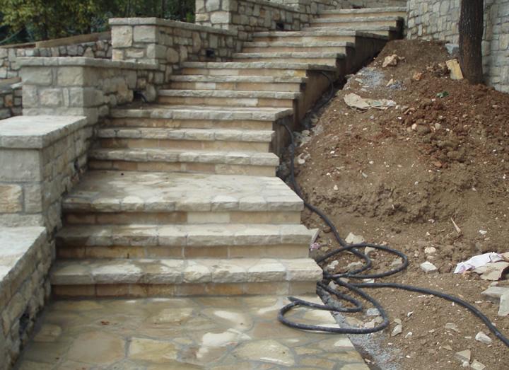 Scale in pietra cava bettoni - Scale per esterni in pietra ...