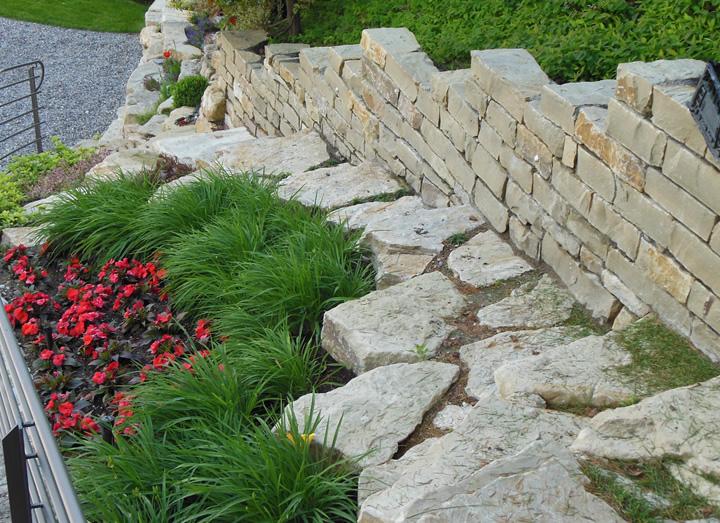 Grande giardini in pietra mf68 pineglen - Muri da giardino ...
