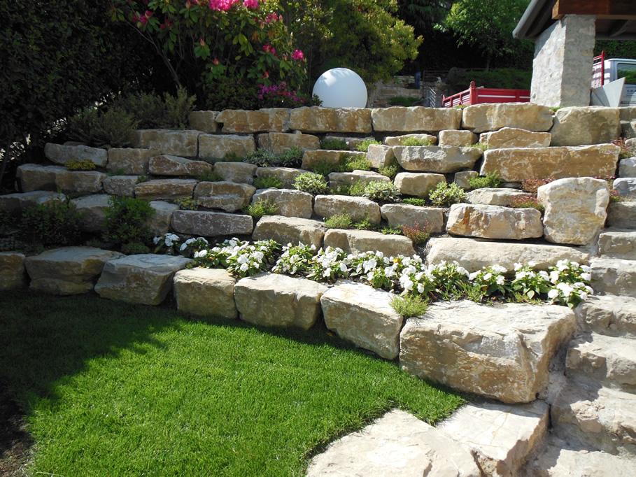 Muretti In Pietra Per Giardini.118 Giardini In Pietra Progettare Un Giardino Rustico