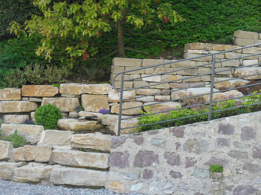 Muretti In Pietra Per Giardini.Muri A Secco E Giardini Rocciosi In Pietra Di Credaro Cava