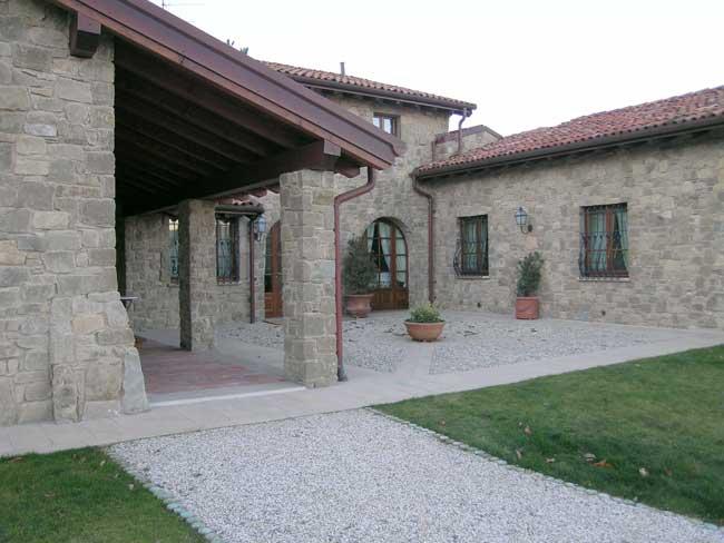 Rivestimento Villa a Borgotaro in Pietra di Credaro - Cava Bettoni