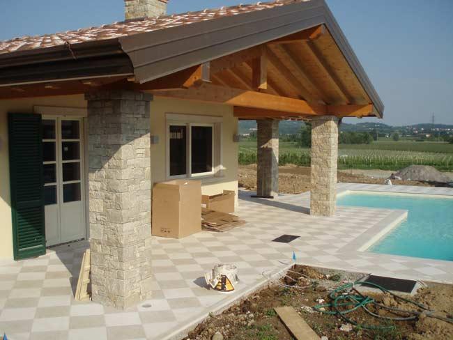 Decorazione ville residenze e giardini in pietra cava for Foto ville in pietra